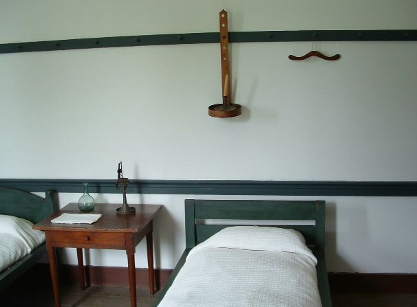 photo of bedroom in Shaker community